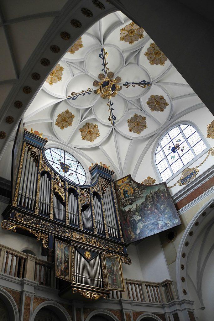 Die Fuggerei und andere Stiftungen fürs Seelenheil – ein Fenster ins Jahr 1521